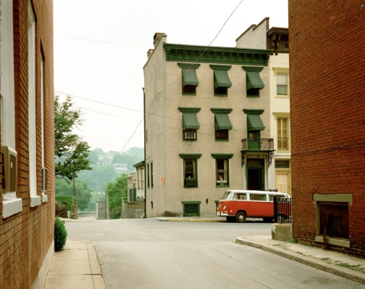 Stephen Shore, Church Street and Second Street (June 20, 1974), Easton, Pennsylvania, USA / © Stephen Shore